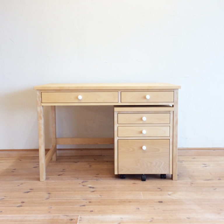 lucci110-desk